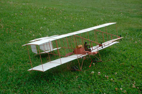 Al Foot's Boxkite model before its unplanned take off.